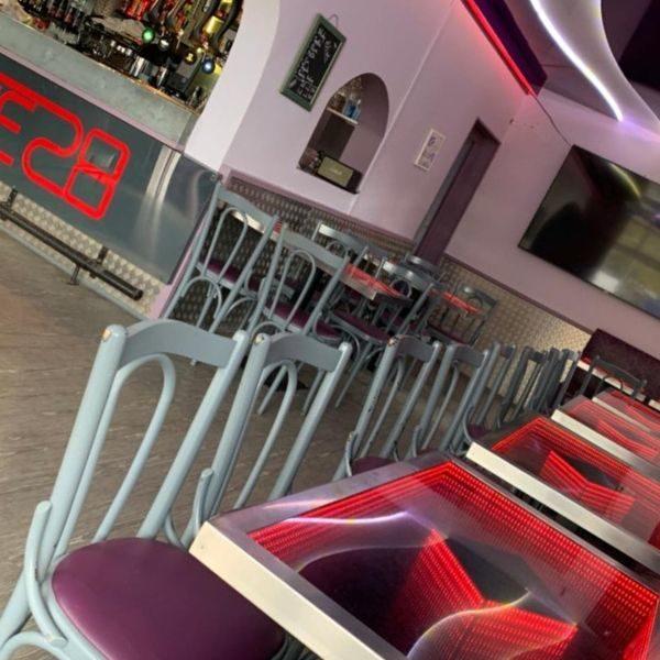 BAR LE 28_Snack bar-vitrine
