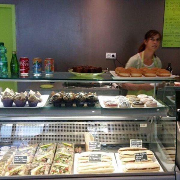 CHEZ FLORINE_Sandwicherie & saladerie-VITRINE