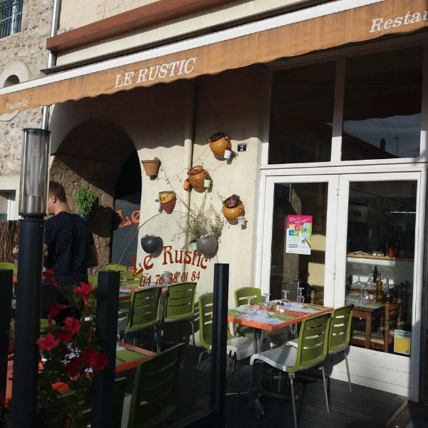 LE RUSTIC-Restaurant-vitrine