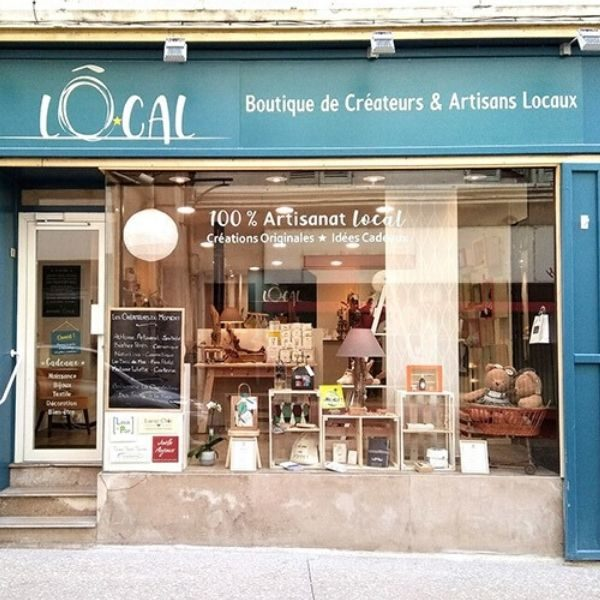 O LOCAL-Boutique de Créateurs-Vitrine